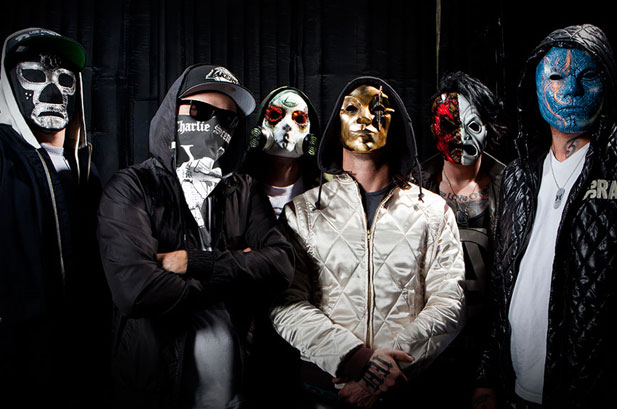 2695659-hollywood-undead-617-409
